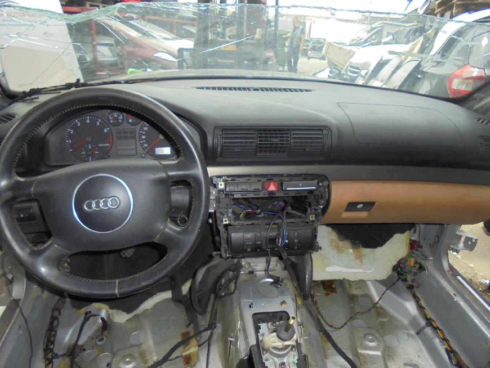 Εικόνα από Τροπέτο φανοποιίας  AUDI A4 (1994-1998   1999-2000)     facelift