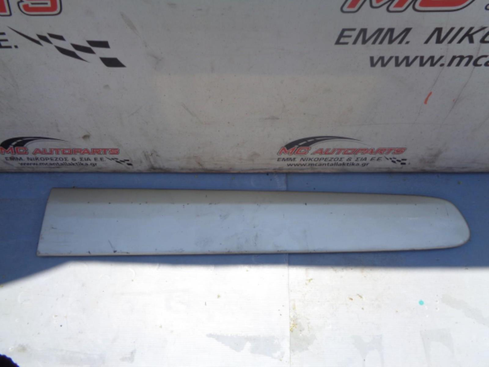 Εικόνα από Φάσα πόρτας  Εμ. Δεξιά  TOYOTA RAV-4 (2001-2006)